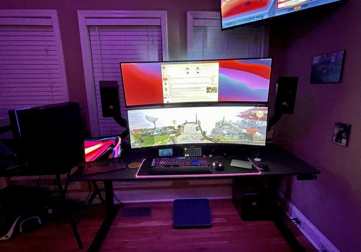 Show_Your_PC_Desk_UltlaWideMonitor_Part73_52.jpg