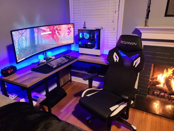 Show_Your_PC_Desk_UltlaWideMonitor_Part73_61.jpg