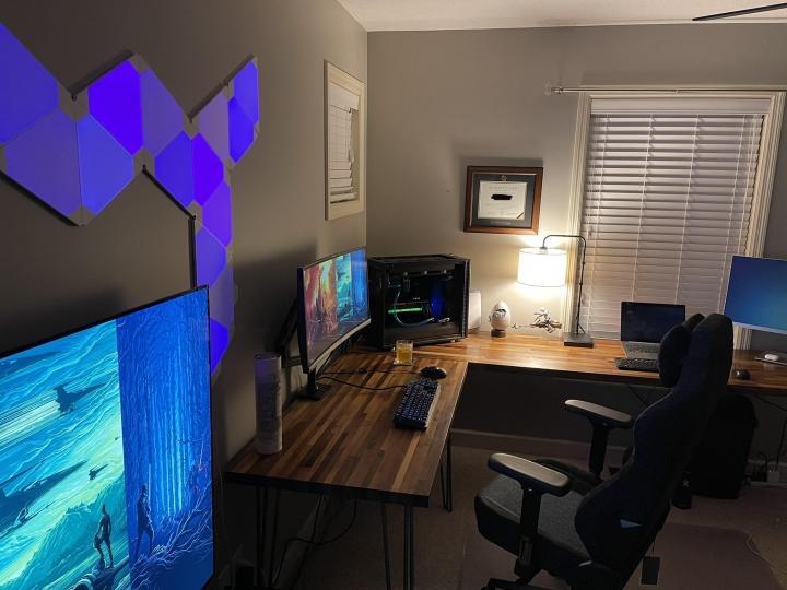 Show_Your_PC_Desk_UltlaWideMonitor_Part73_64.jpg