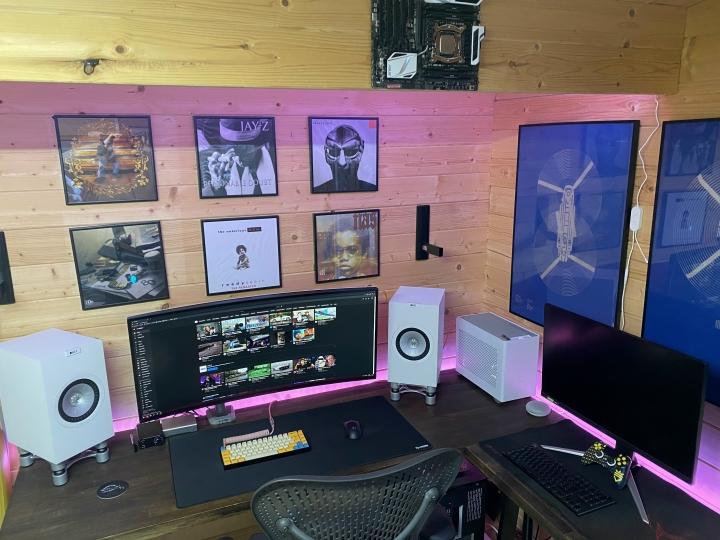 Show_Your_PC_Desk_UltlaWideMonitor_Part73_83.jpg