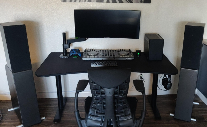 Show_Your_PC_Desk_UltlaWideMonitor_Part73_87.jpg