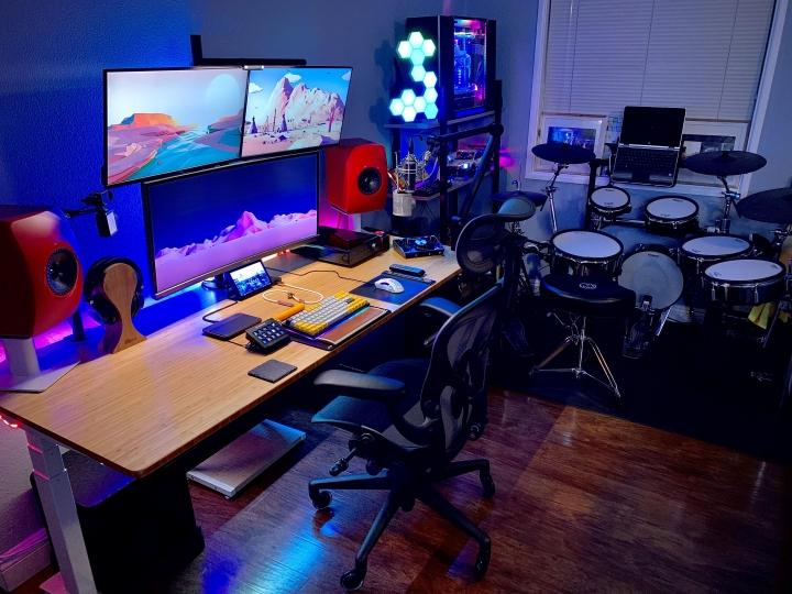 Show_Your_PC_Desk_UltlaWideMonitor_Part73_95.jpg