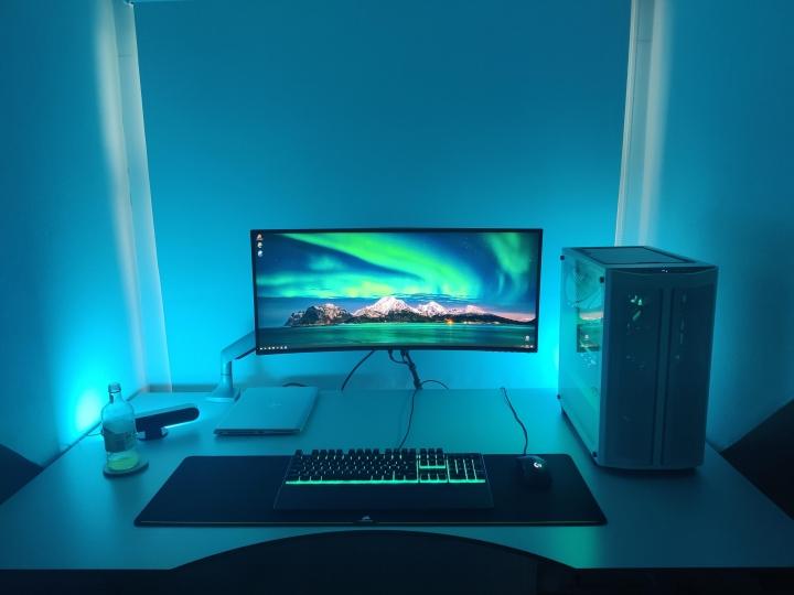 Show_Your_PC_Desk_UltlaWideMonitor_Part74_14.jpg