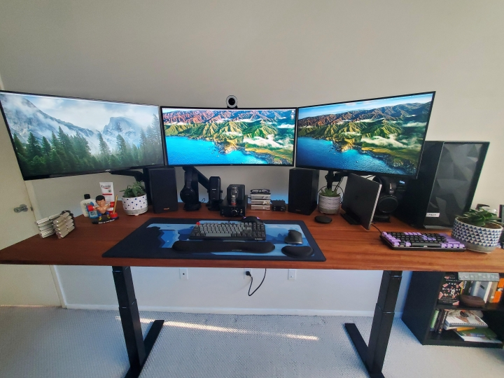Show_Your_PC_Desk_UltlaWideMonitor_Part74_22.jpg