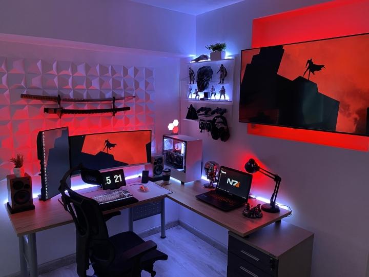 Show_Your_PC_Desk_UltlaWideMonitor_Part74_25.jpg