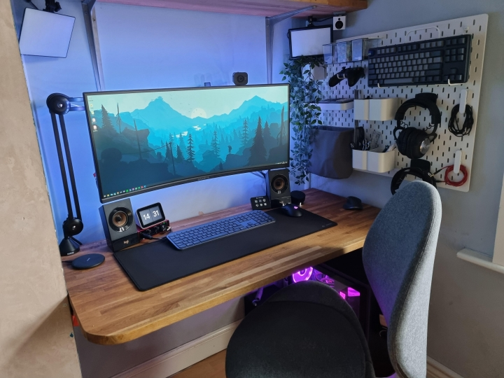Show_Your_PC_Desk_UltlaWideMonitor_Part74_34.jpg