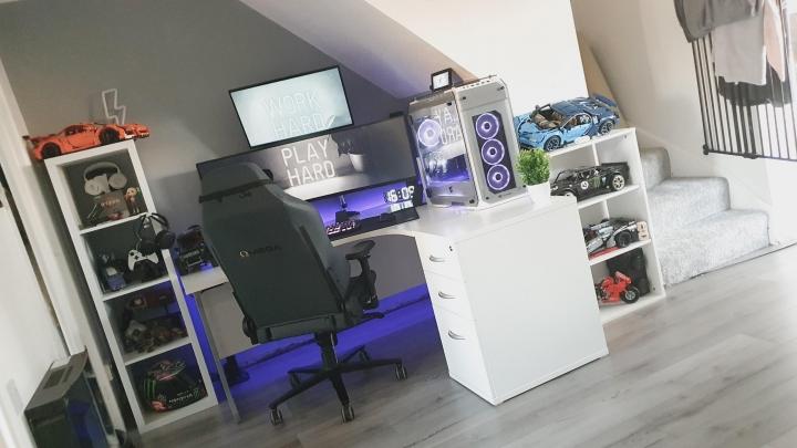 Show_Your_PC_Desk_UltlaWideMonitor_Part74_37.jpg