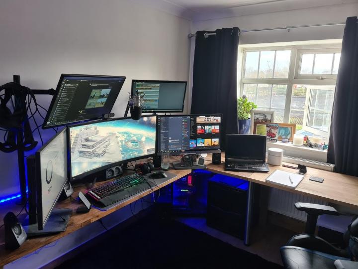 Show_Your_PC_Desk_UltlaWideMonitor_Part74_38.jpg