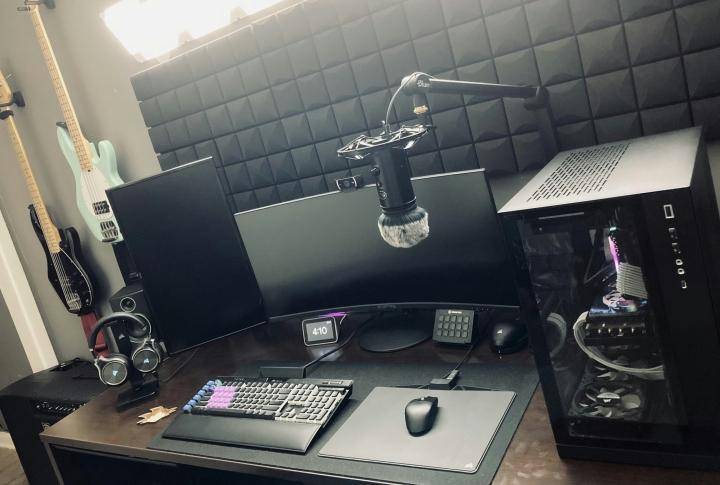 Show_Your_PC_Desk_UltlaWideMonitor_Part74_49.jpg