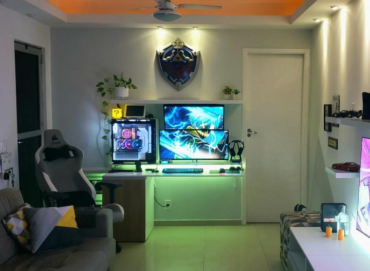 Show_Your_PC_Desk_UltlaWideMonitor_Part74_78.jpg