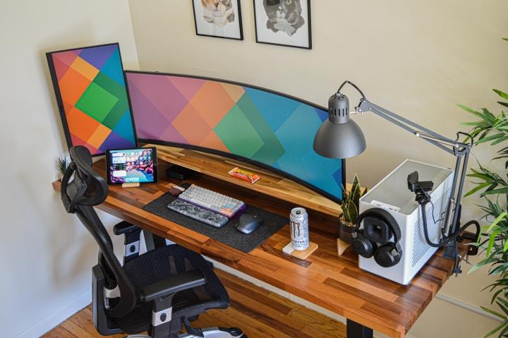 Show_Your_PC_Desk_UltlaWideMonitor_Part74_90.jpg
