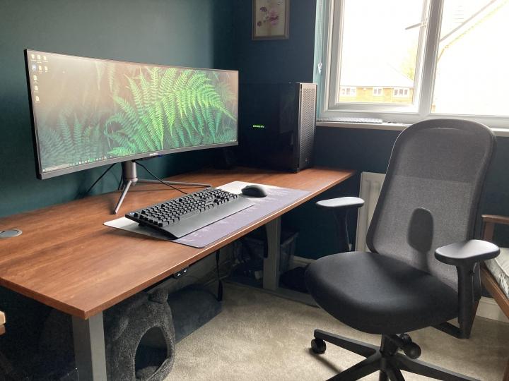 Show_Your_PC_Desk_UltlaWideMonitor_Part75_100.jpg