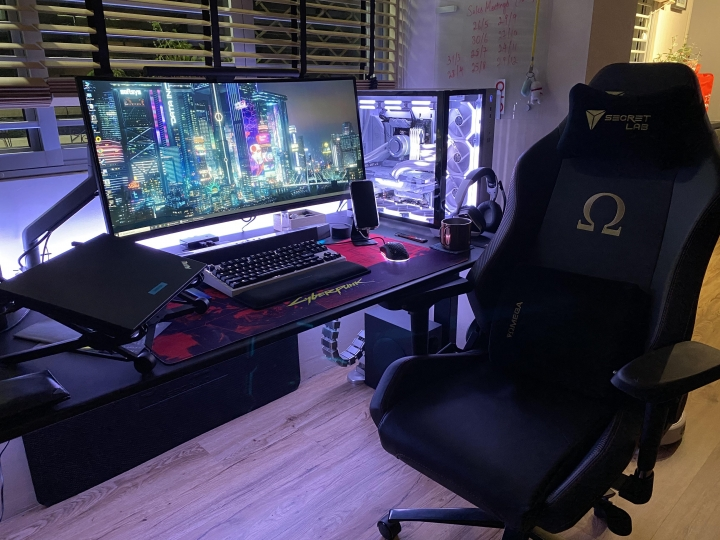 Show_Your_PC_Desk_UltlaWideMonitor_Part75_10.jpg