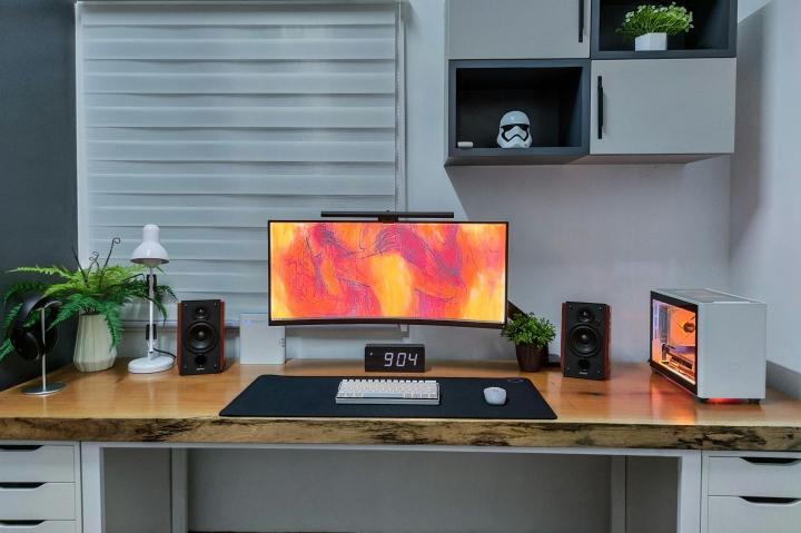 Show_Your_PC_Desk_UltlaWideMonitor_Part75_11.jpg