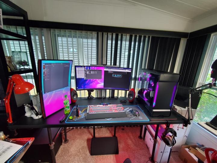 Show_Your_PC_Desk_UltlaWideMonitor_Part75_26.jpg