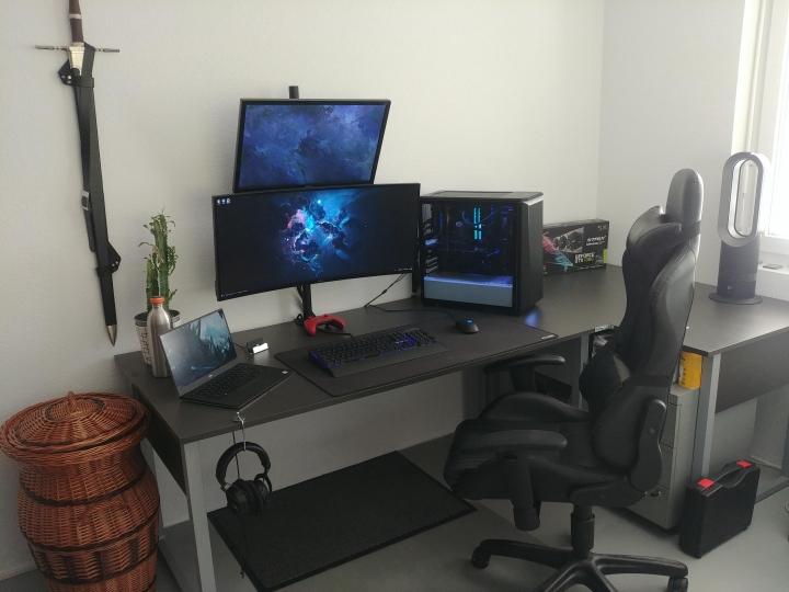 Show_Your_PC_Desk_UltlaWideMonitor_Part75_30.jpg