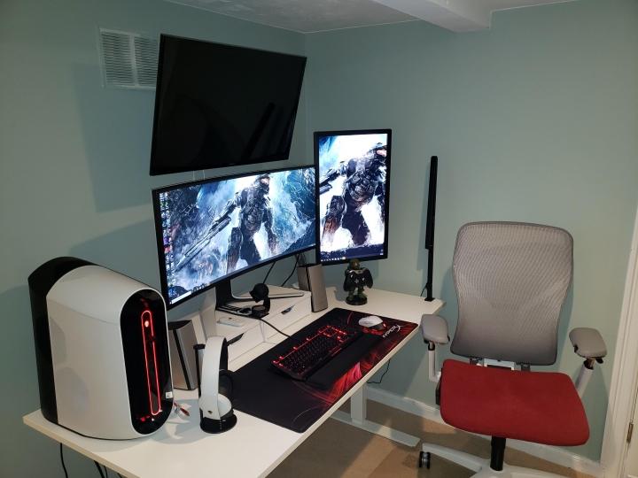 Show_Your_PC_Desk_UltlaWideMonitor_Part75_34.jpg