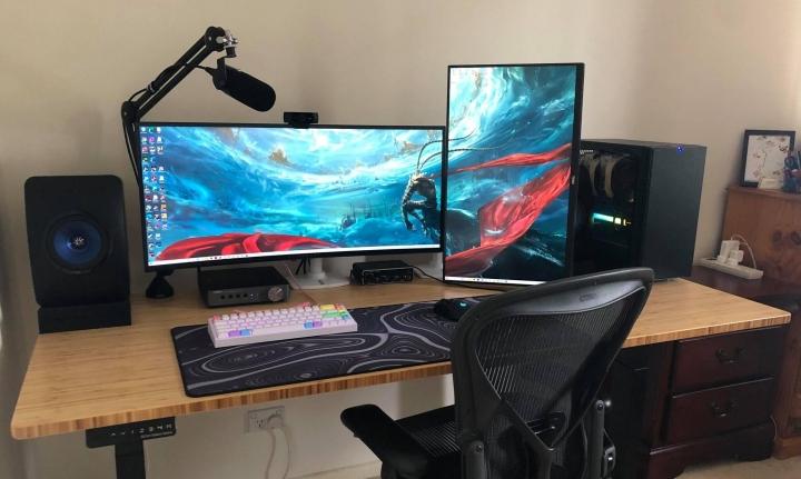 Show_Your_PC_Desk_UltlaWideMonitor_Part75_35.jpg