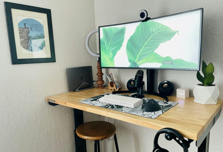 Show_Your_PC_Desk_UltlaWideMonitor_Part75_40.jpg