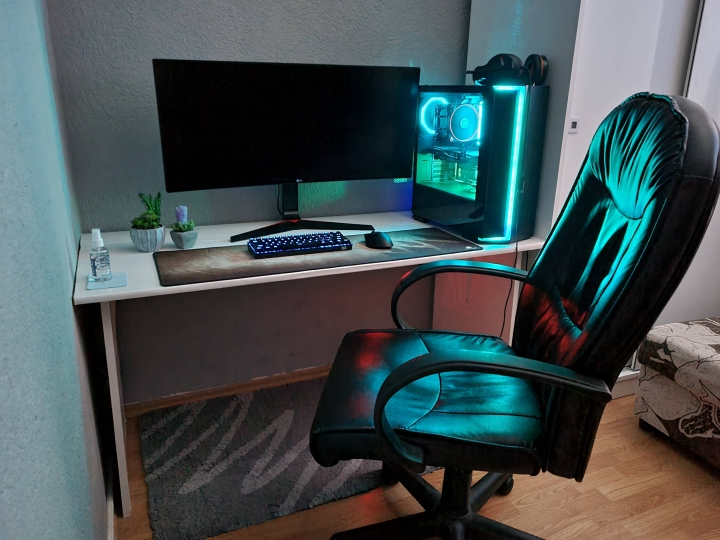 Show_Your_PC_Desk_UltlaWideMonitor_Part75_43.jpg