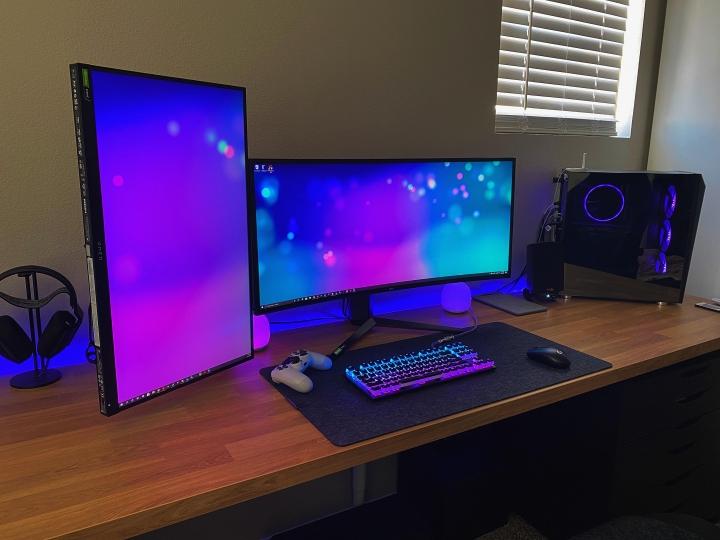 Show_Your_PC_Desk_UltlaWideMonitor_Part75_52.jpg