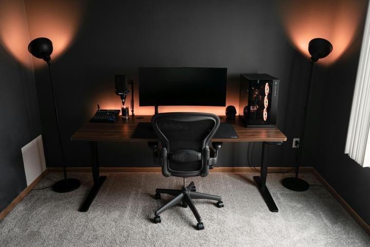 Show_Your_PC_Desk_UltlaWideMonitor_Part75_82.jpg