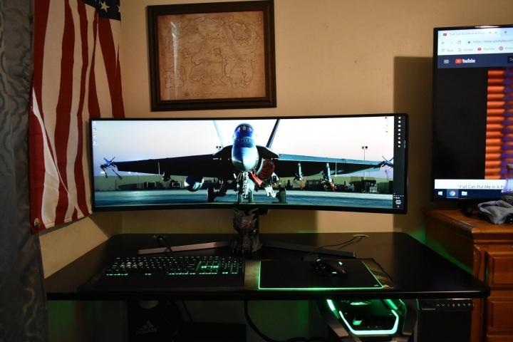 Show_Your_PC_Desk_UltlaWideMonitor_Part75_87.jpg