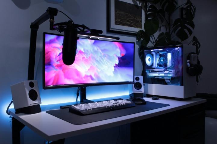 Show_Your_PC_Desk_UltlaWideMonitor_Part75_88.jpg