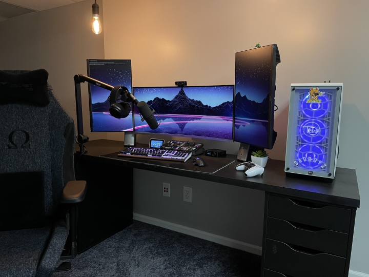 Show_Your_PC_Desk_UltlaWideMonitor_Part75_95.jpg