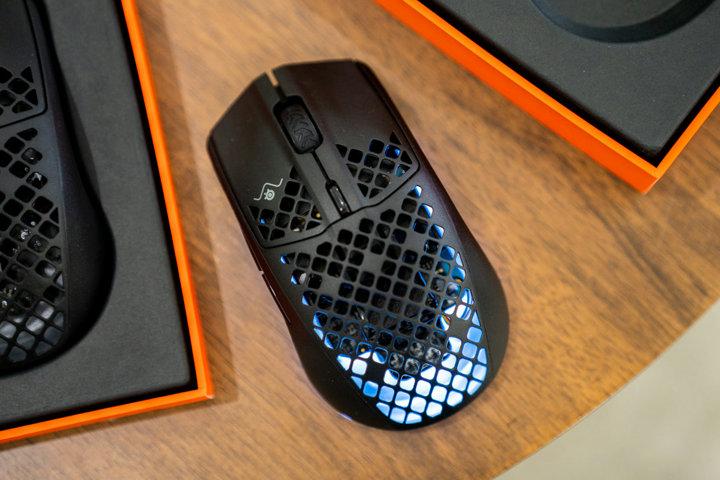 SteelSeries_Aerox_3_Wireless_01.jpg