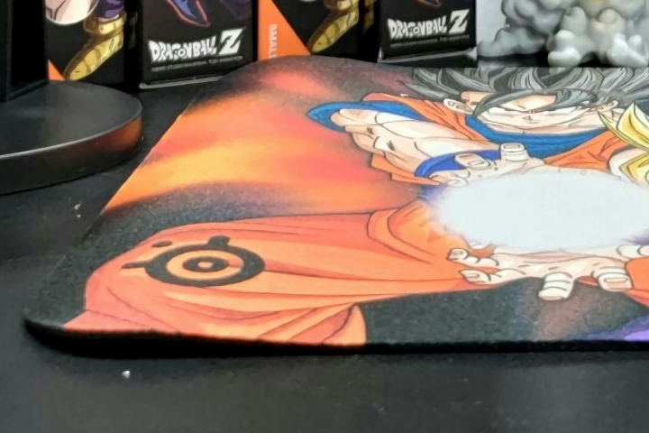 SteelSeries_QcK_DRAGON_BALL_04.jpg