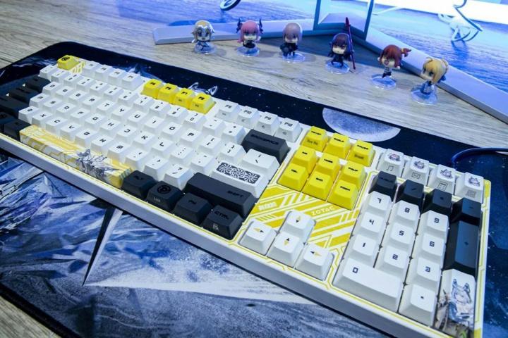ZOTAC_VARMILO_Mechanical_Keyboard_03.jpg