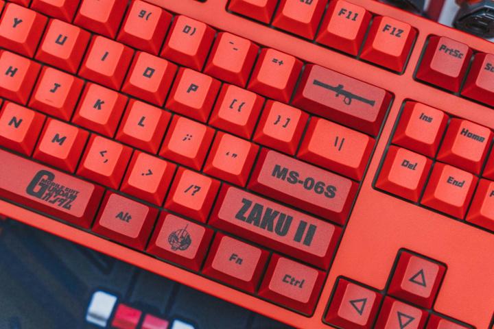ikbc_ZAKU_II_VER1-1c_15.jpg