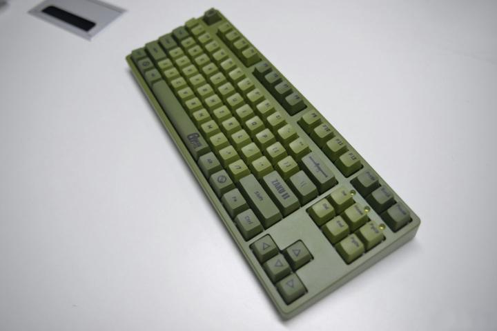 ikbc_Zaku_Mechanical_Keyboard_02.jpg