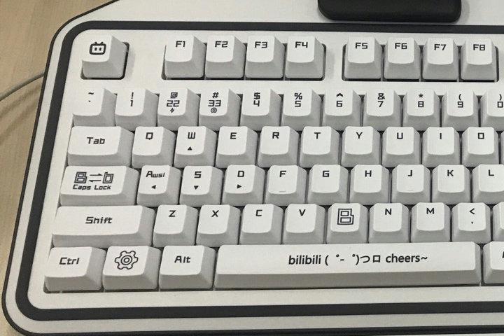ikbc_bilibili_keyboard_03.jpg