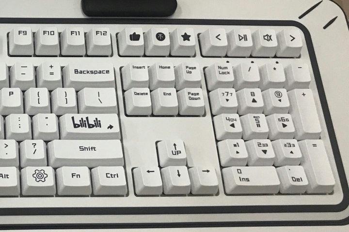 ikbc_bilibili_keyboard_04.jpg