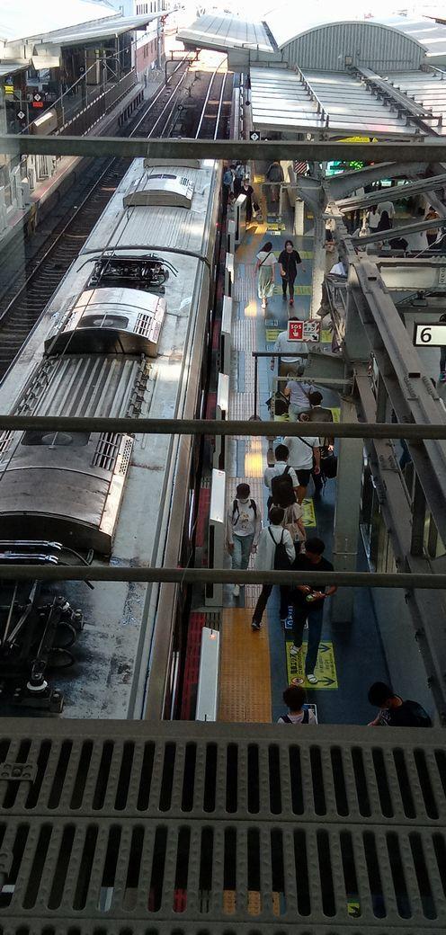 ⑬「大阪駅の乗降客」