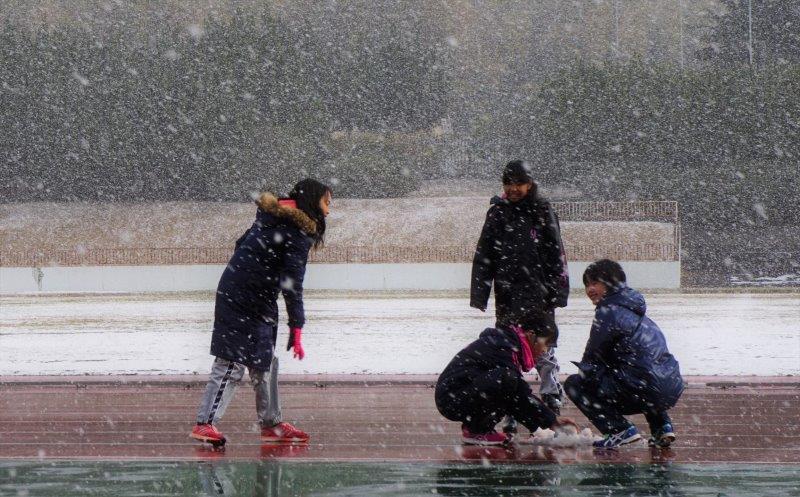 ⑤「雪遊び」