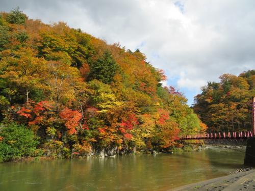 法体の滝紅葉